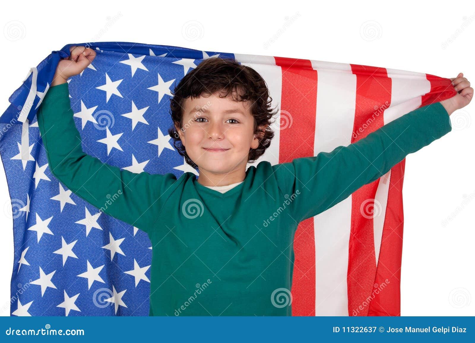 Entzückender Junge mit amerikanischer Flagge