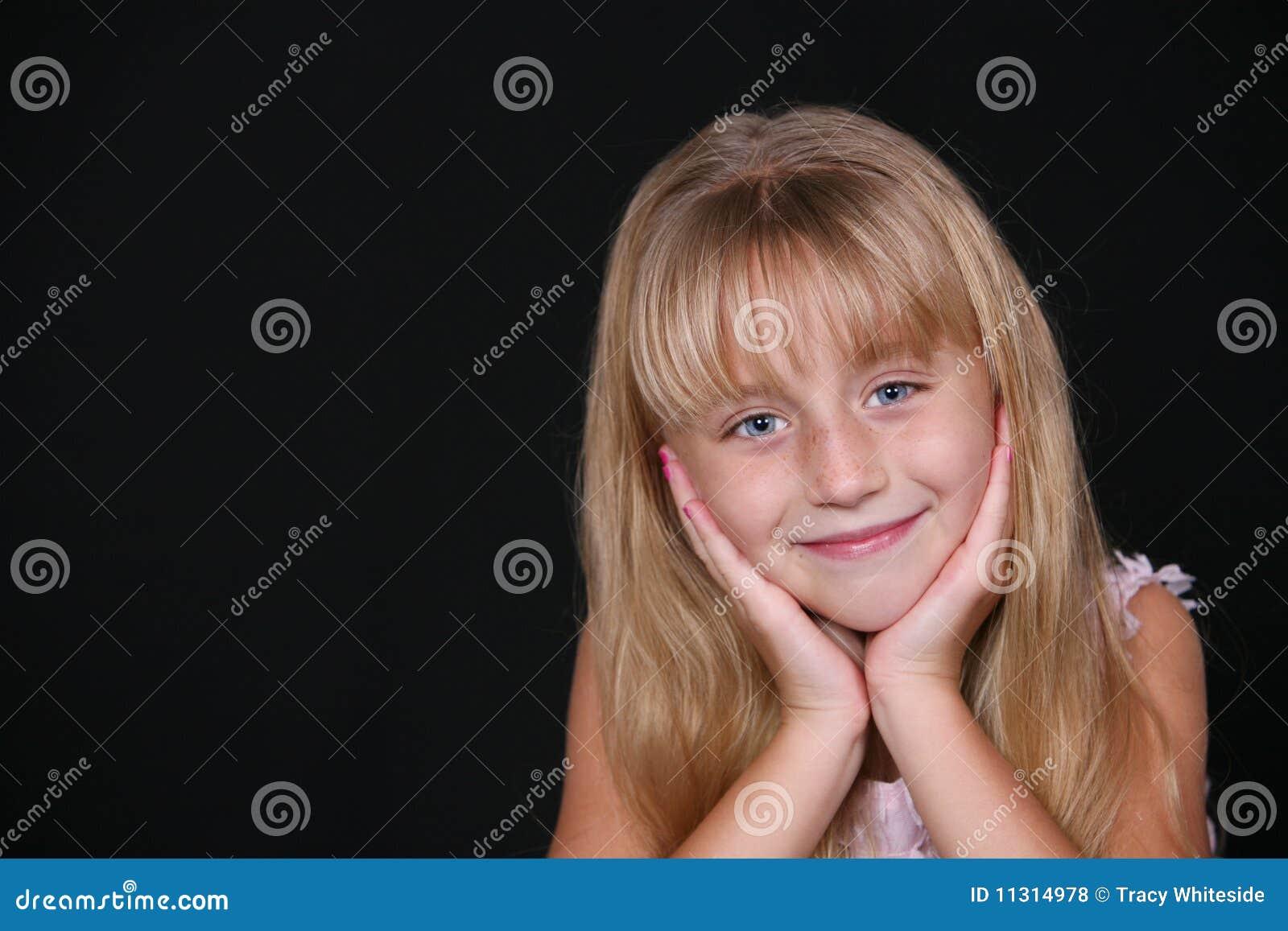 Entzückendes kleines Mädchen