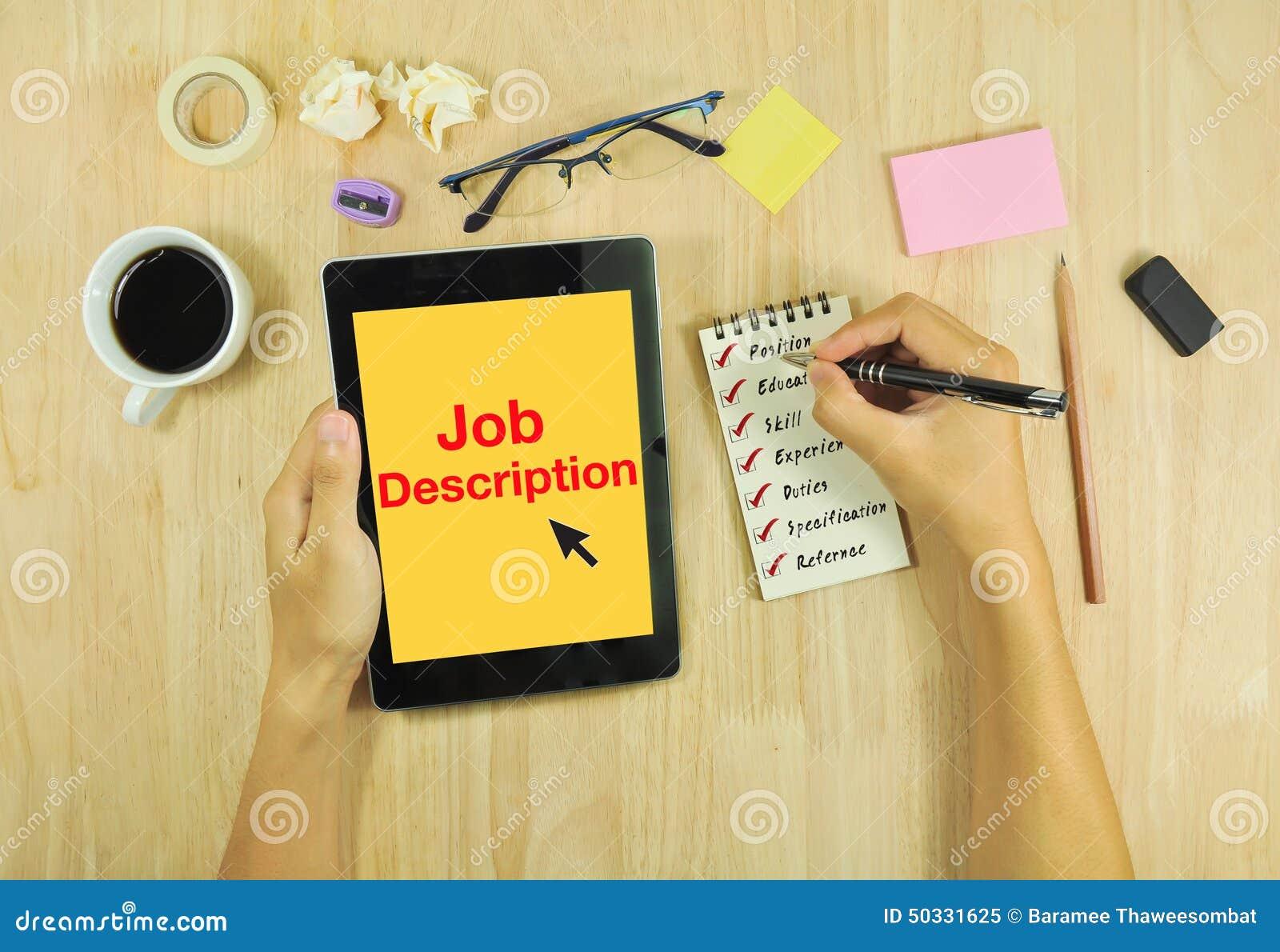 Enumere la descripción de las funciones y mire el trabajo en la tableta