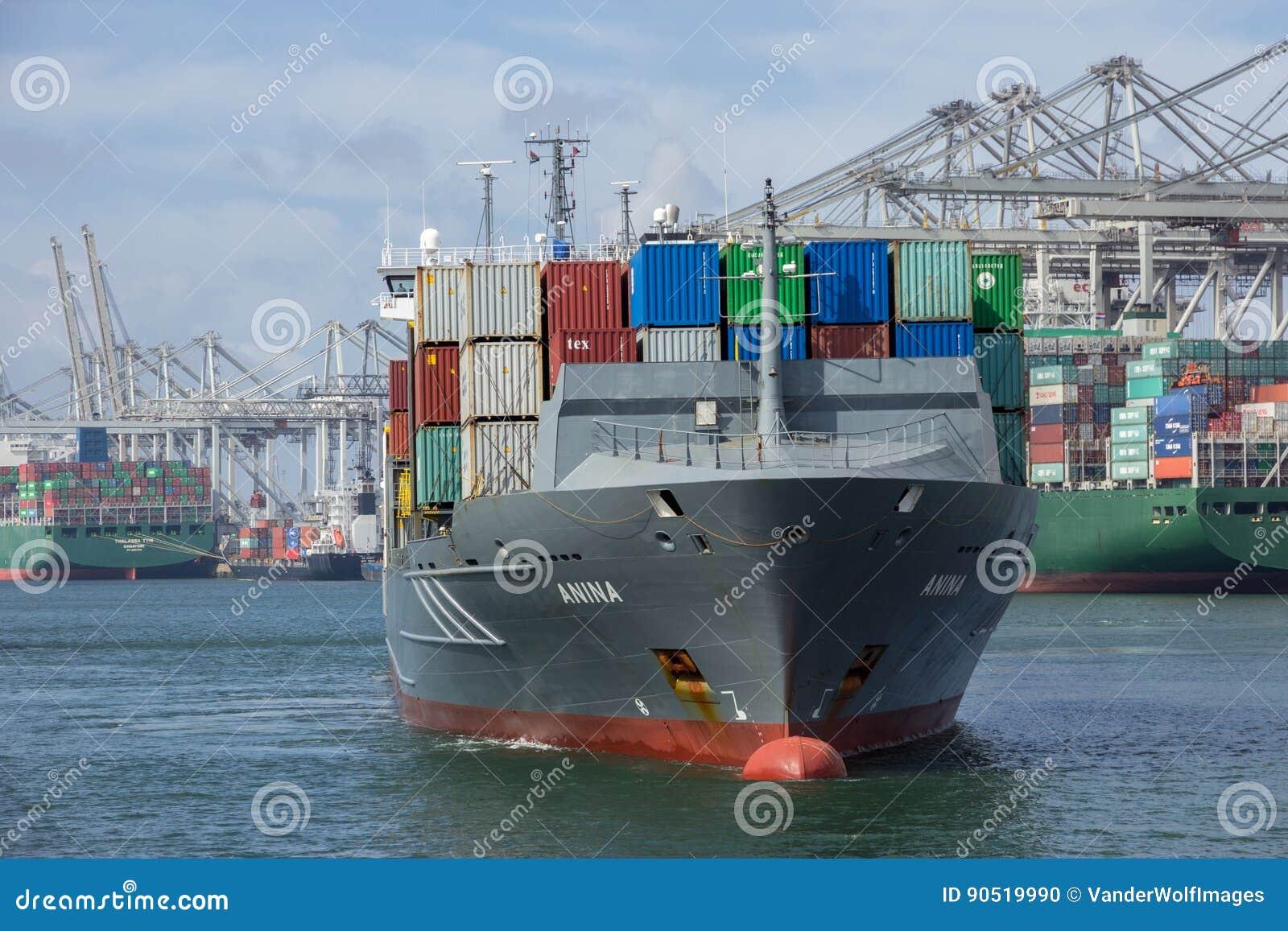 Envío del puerto del envase