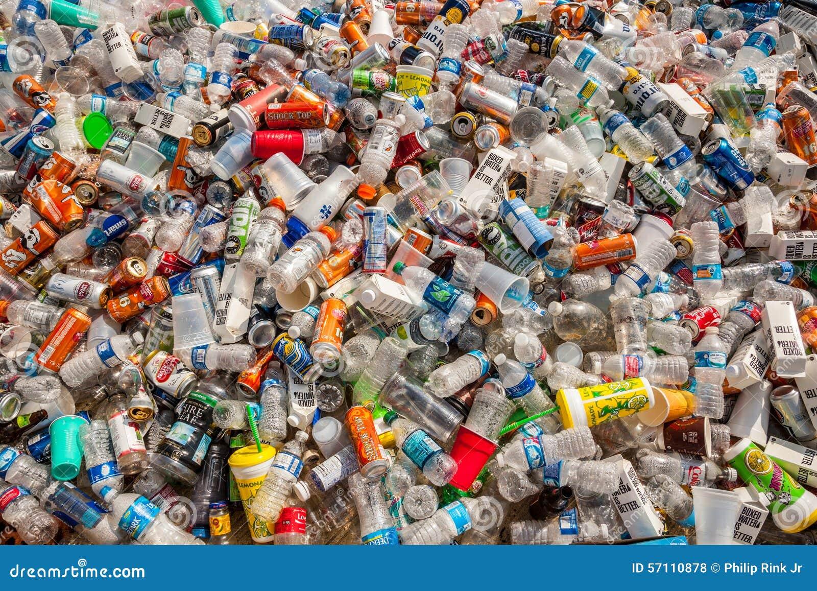 Envases reciclables foto de archivo editorial. Imagen de envase ...
