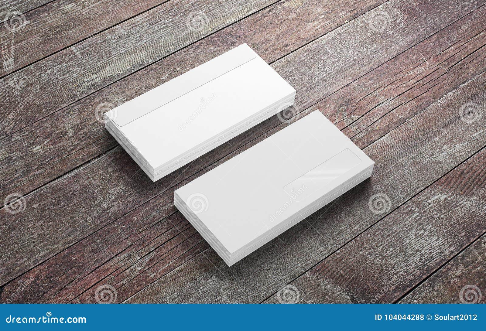Enveloppes vides sur le vieux bureau en bois illustration stock