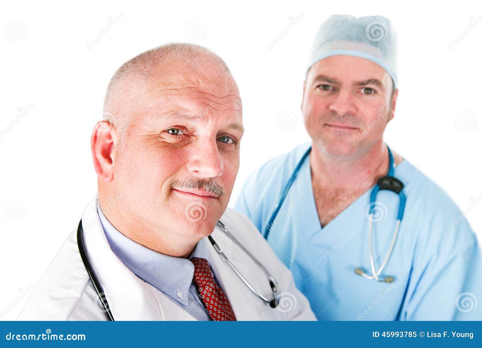 Equipa médica de doutores