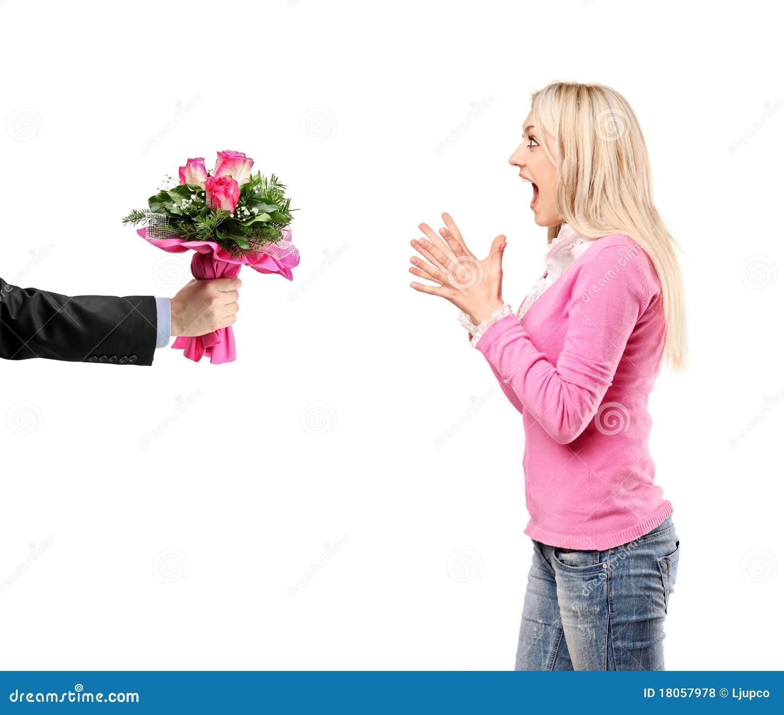 Equipaggi dare un mazzo di fiori e di donna sorpresa for Costruire un mazzo di portico