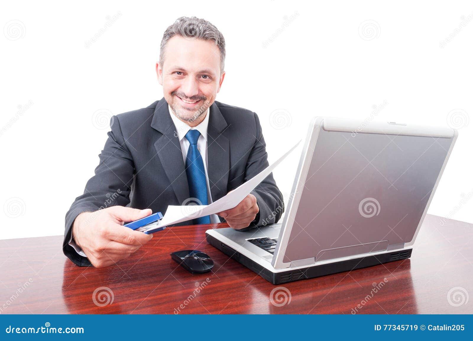 Equipaggi il vestito d uso alla cucitrice meccanica ed ai documenti della tenuta dell ufficio