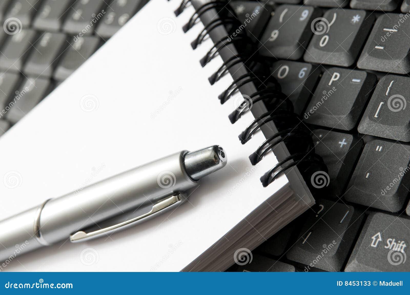 Equipamenten skriver