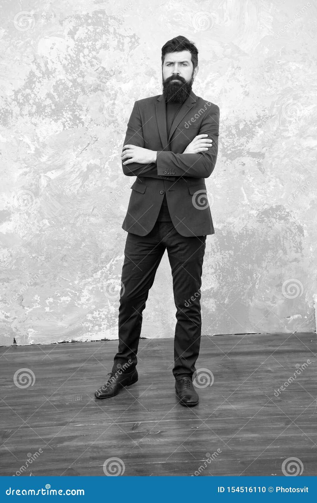 Equipamento formal Tome bom do terno Eleg?ncia e estilo masculino Fundo cinzento do equipamento elegante do homem de neg?cios ou