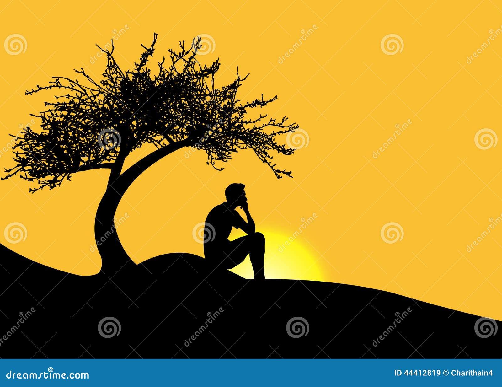 Equipe o assento apenas sob uma árvore em uma montanha no por do sol