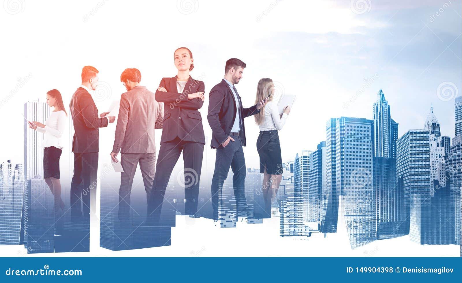 Equipe segura do negócio com papéis e dispositivos