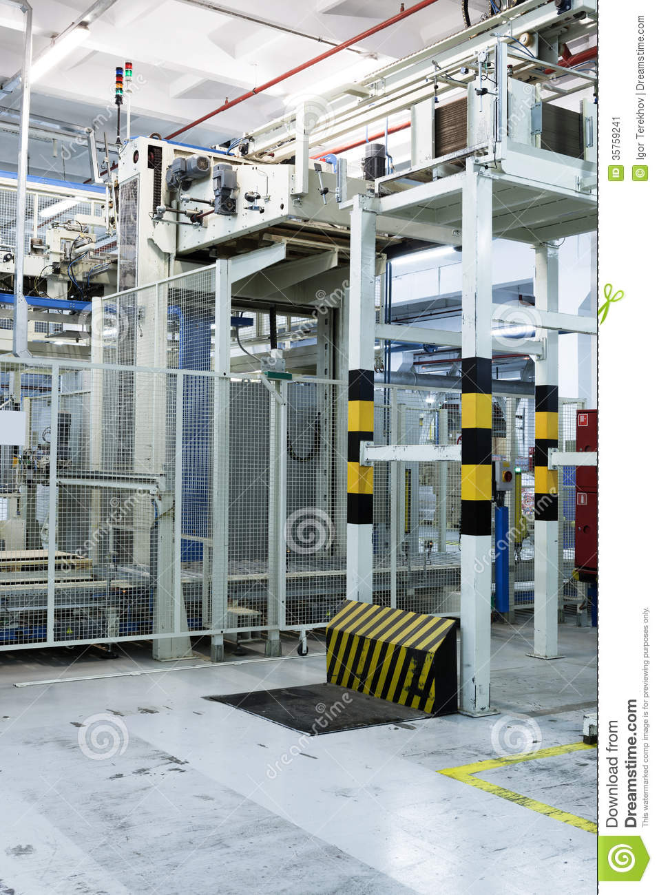 Consumer Goods Processing Plants : Equipment for packing goods stock image