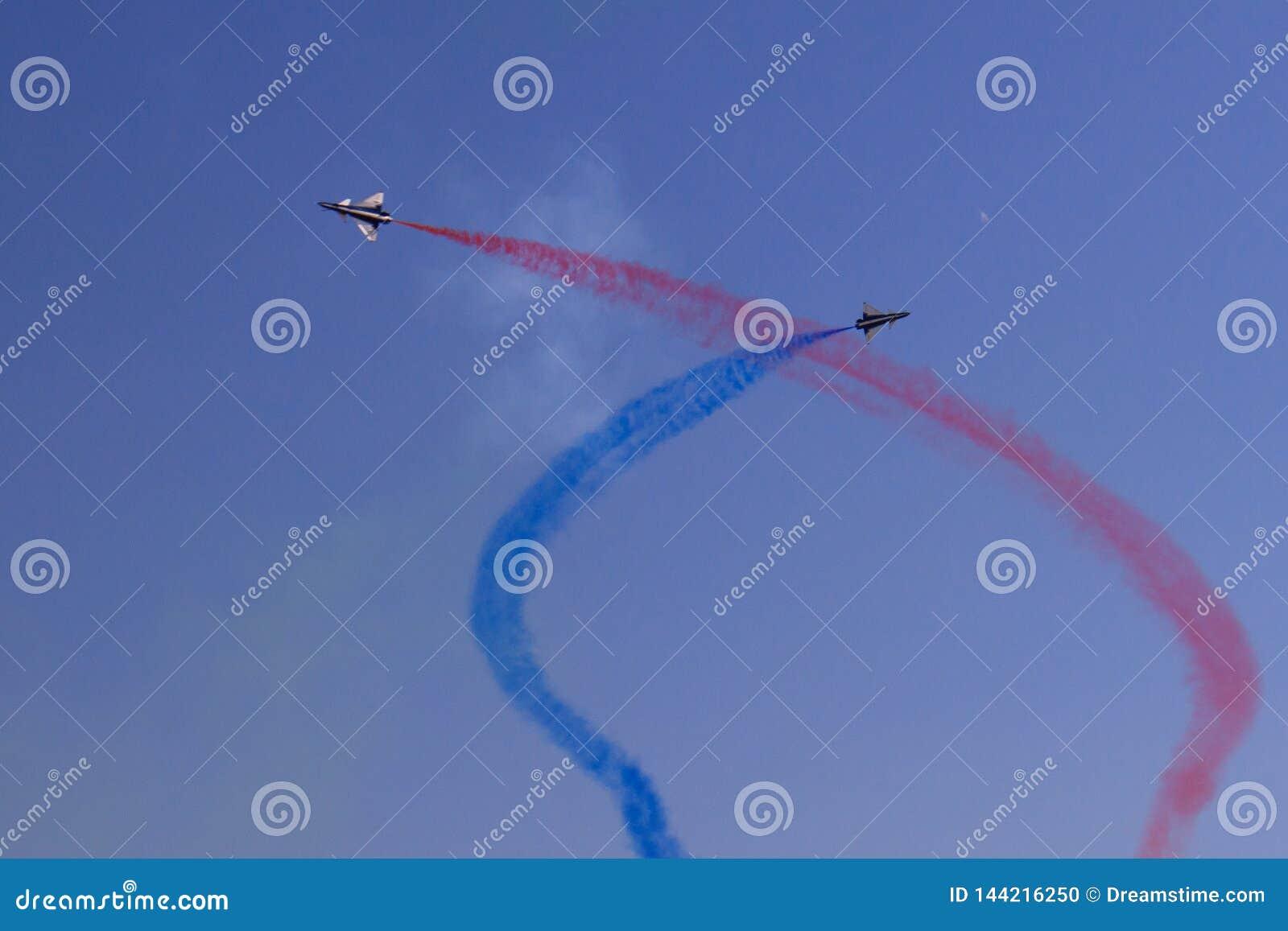 Equipo aeroacrobacia chino