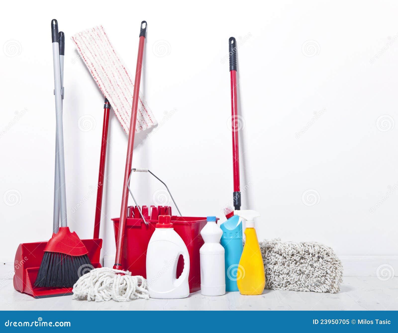 Equipo para la limpieza foto de archivo libre de regal as - Limpieza general de la casa ...