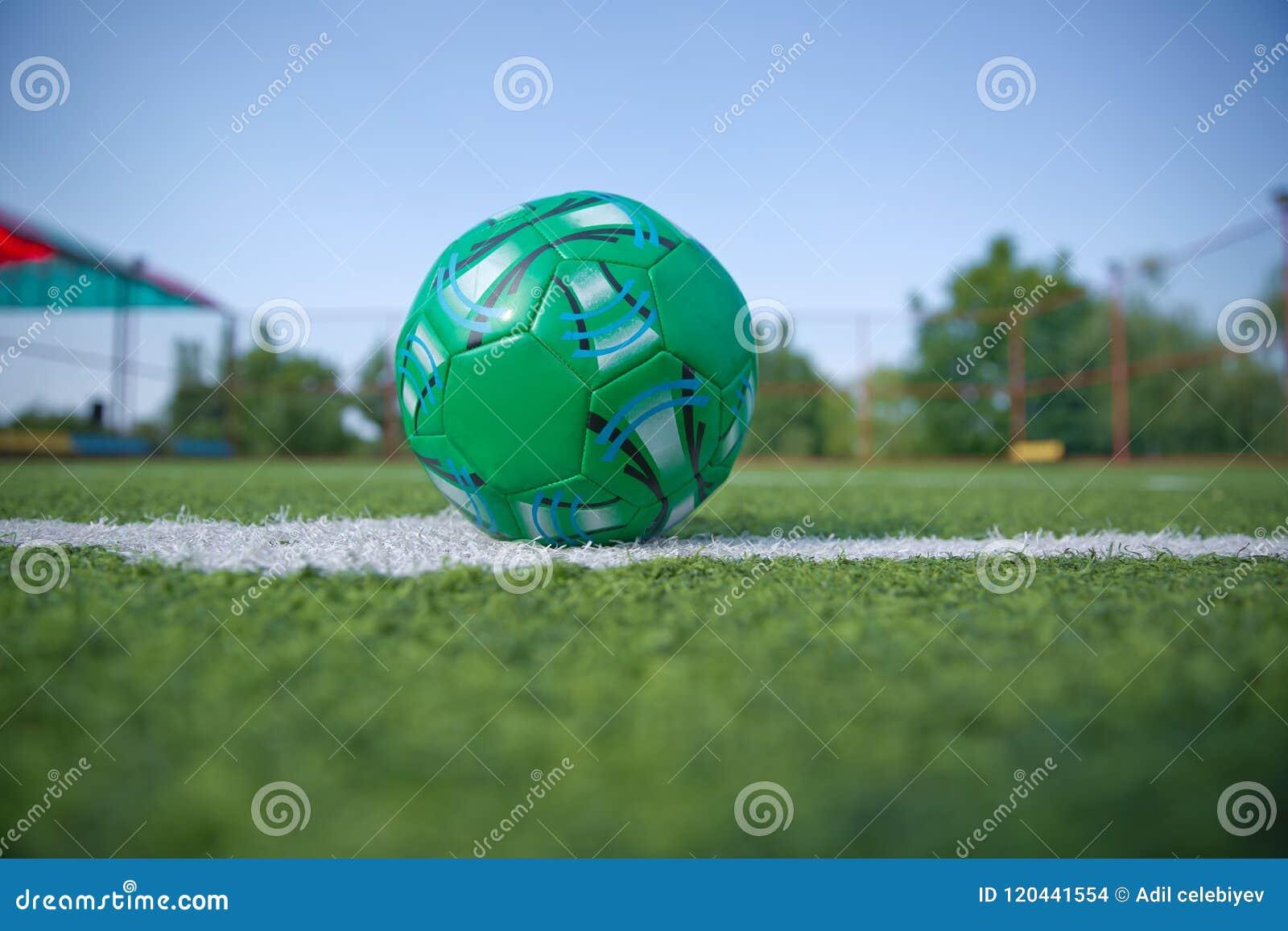 Erba artificiale di Mini Football Goal On An Dentro del campo di football americano dell interno Mini pallone da calcio