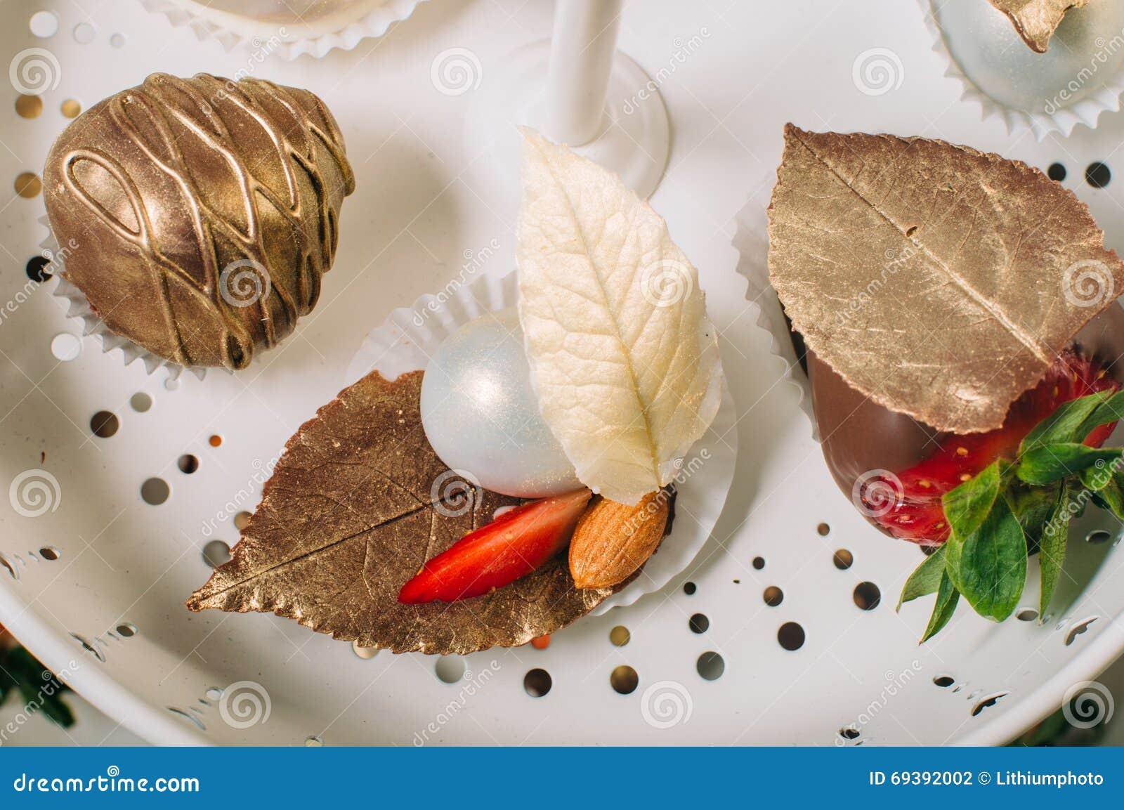 Ungewöhnlich Krone Süßigkeiten Küche St Louis Mo Bilder - Küche Set ...