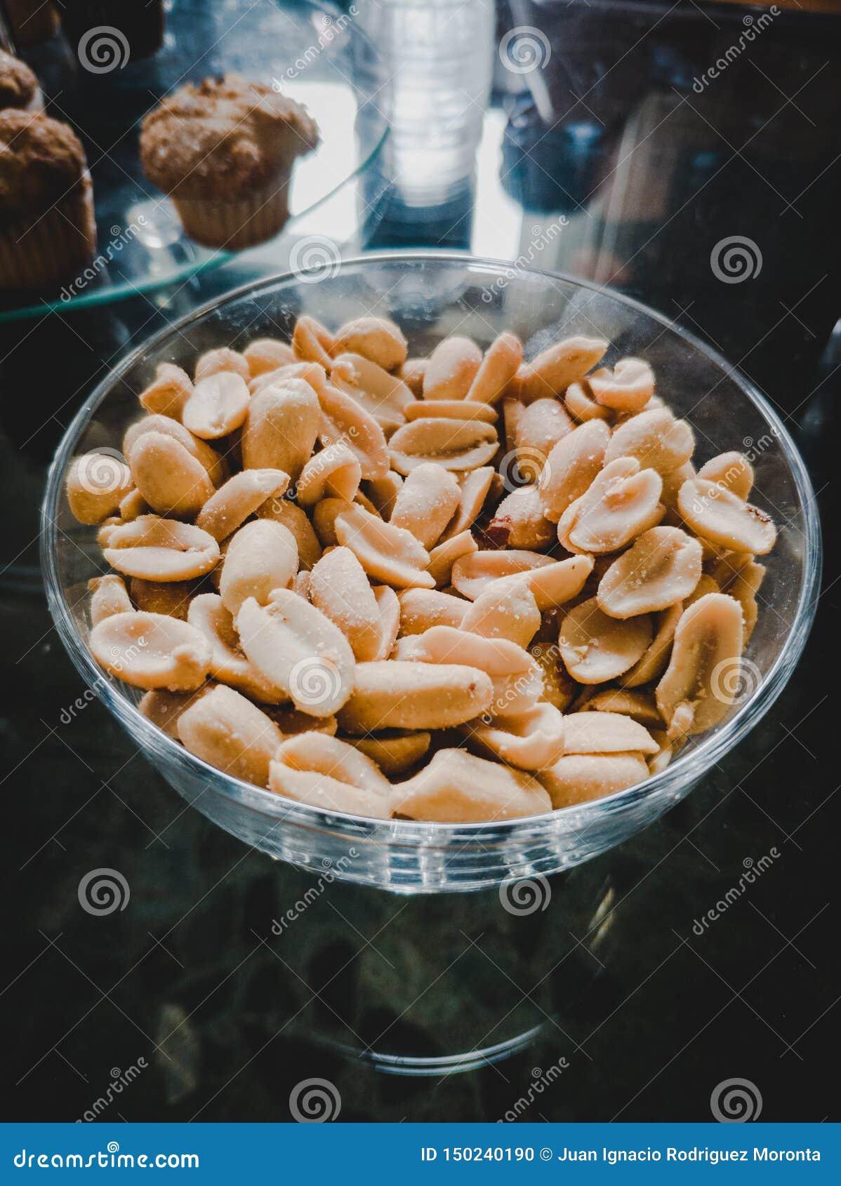 Erdnüsse zogen mit Salz ab