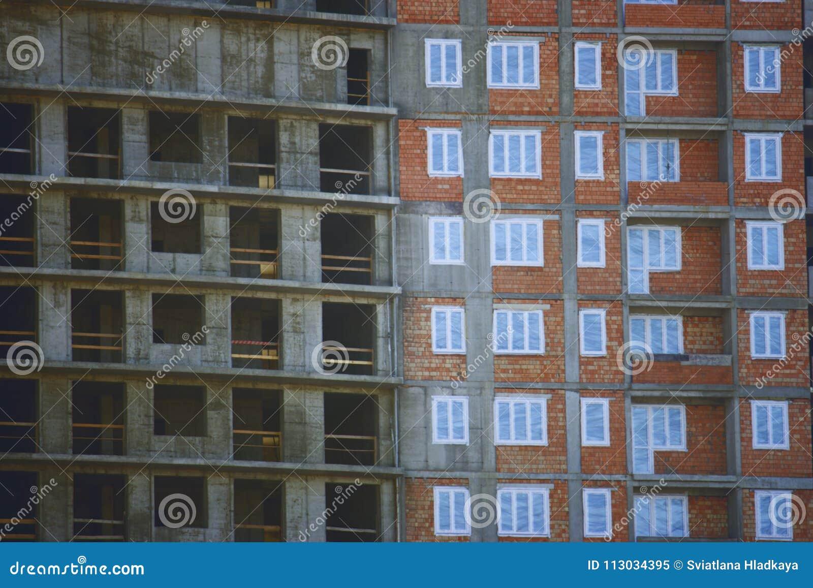 Erección del edificio moderno