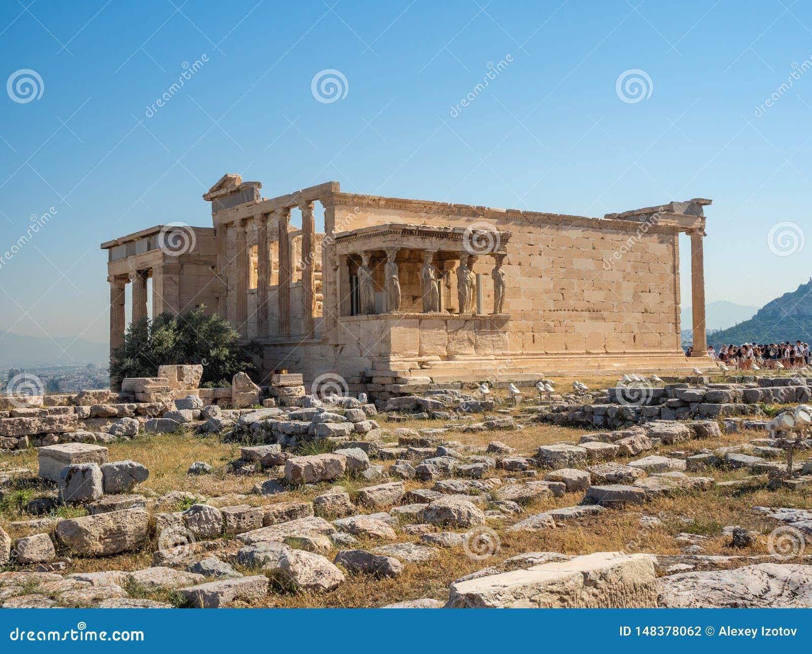 Erechtheion - un tempio del greco antico con un portico e sei cariatidi, costruiti in onore di Atene e di Poseidon, la Grecia