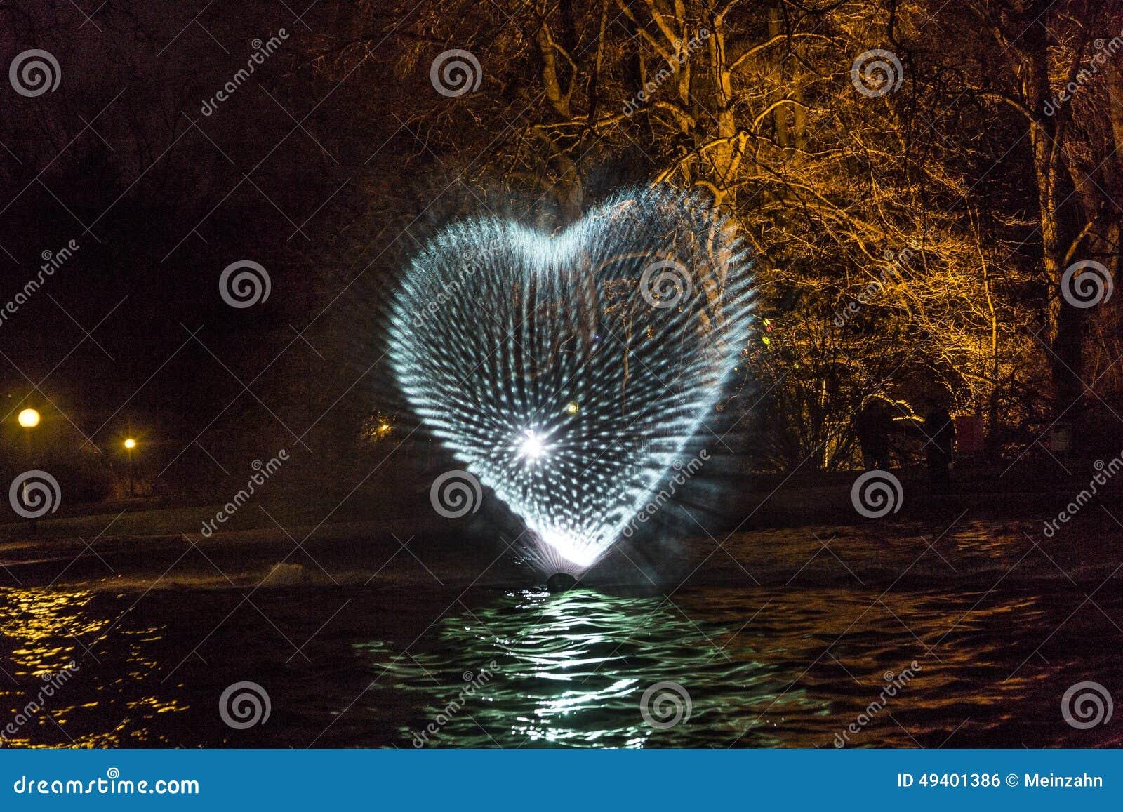 Download Ereignis Winterlichter Im Palmgarden Redaktionelles Foto - Bild von nacht, winter: 49401386