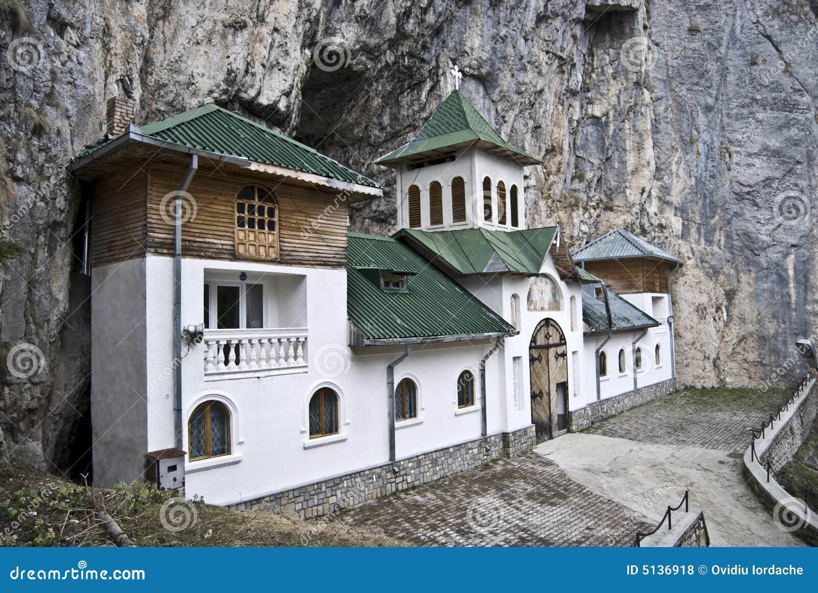 Eremitério de Pestera, Romania