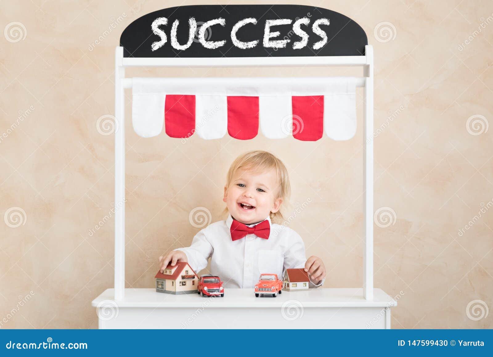 Erfolg, beginnen oben und Gesch?ftsideenkonzept