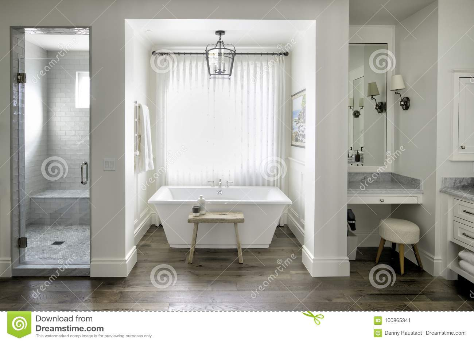 Erholungsortvillenbadezimmerbadekurort