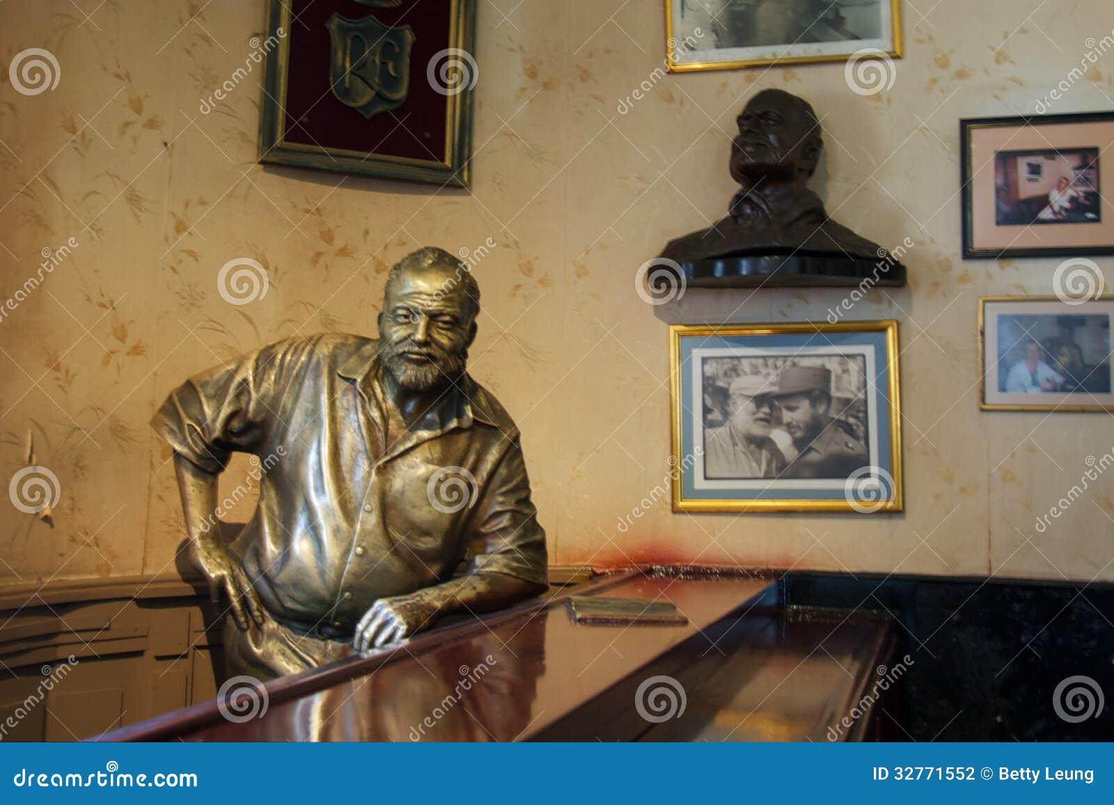 Ernest Hemingway Bronze Statue