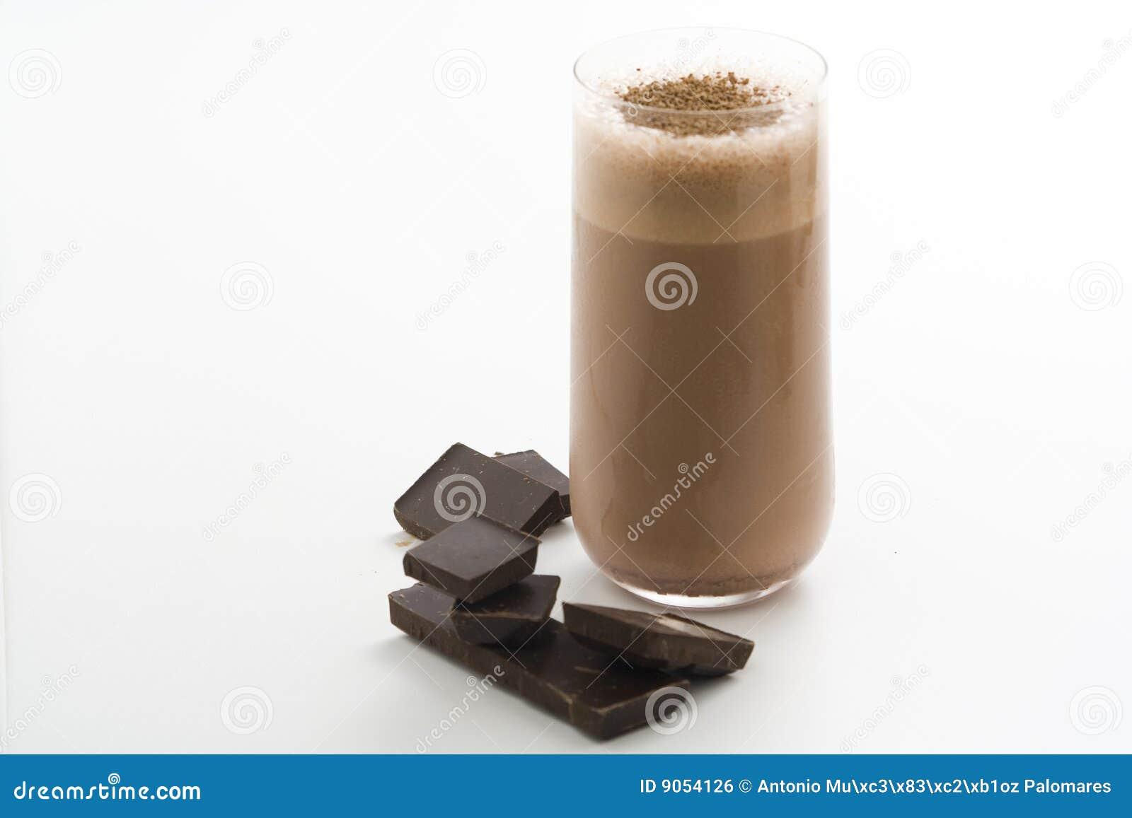 Erneuernschokoladenerschütterung mit Schokolade Birutes