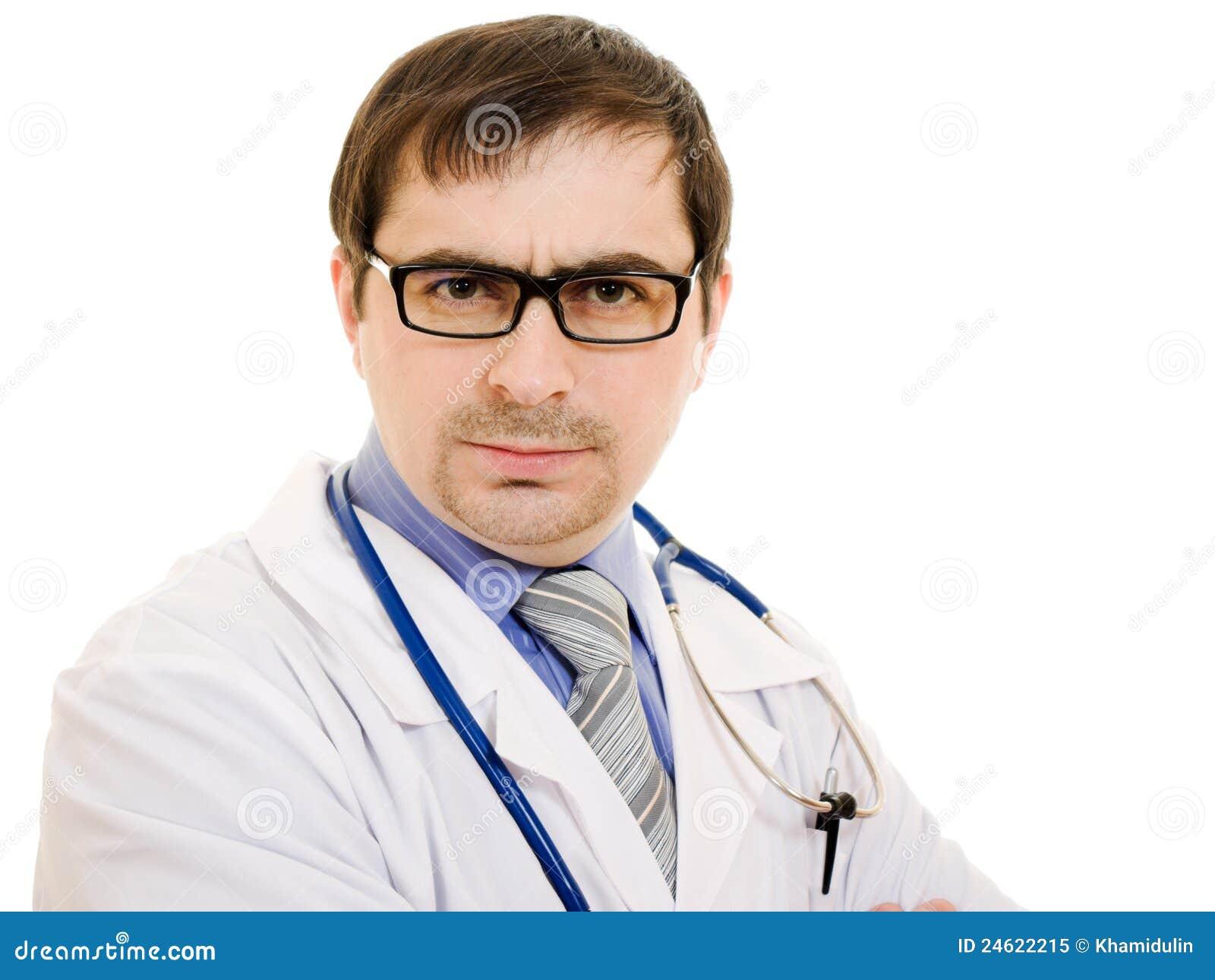 Ernster Doktor mit einem Stethoskop und Gläsern