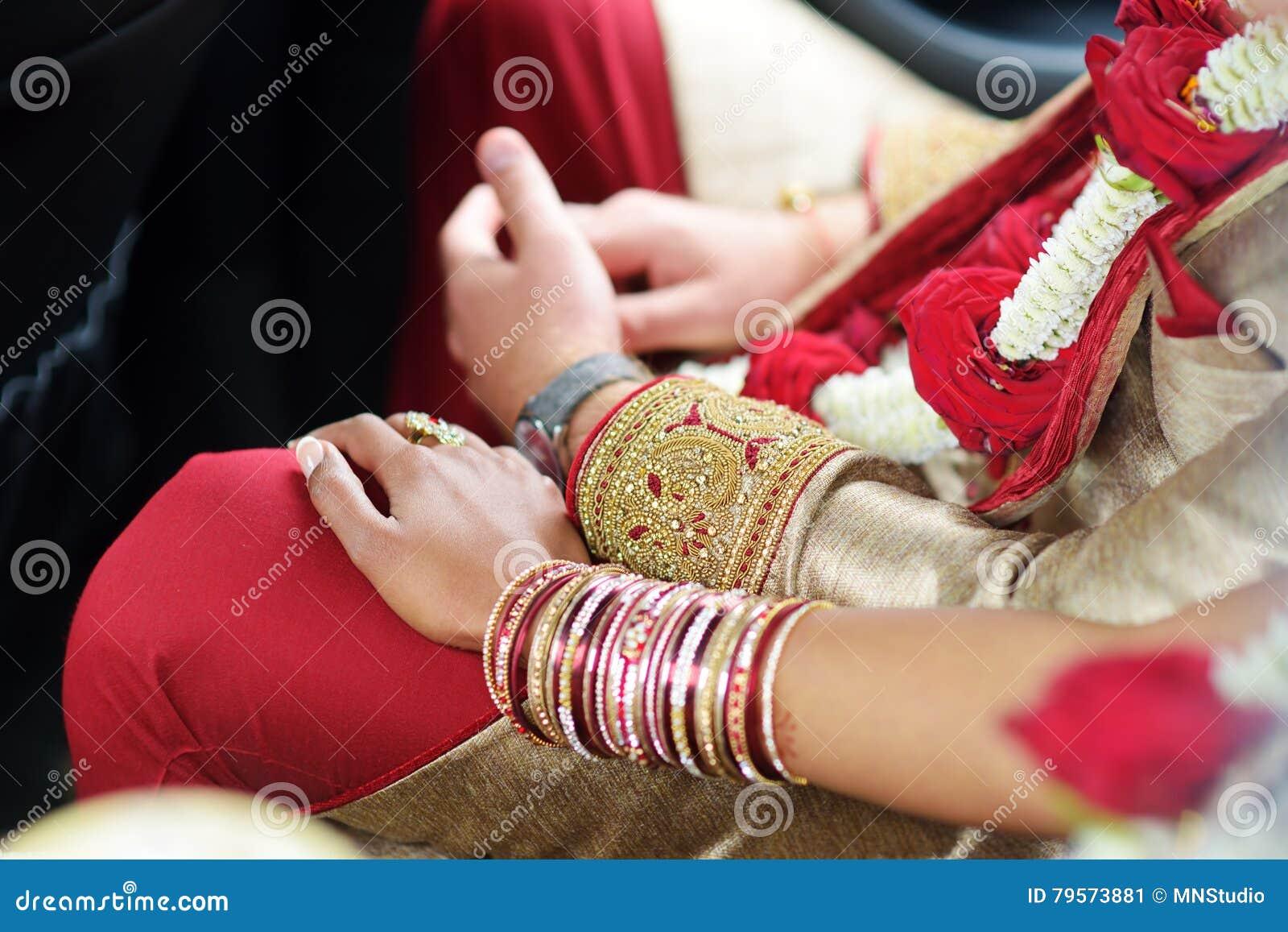 Erstaunliche hindische Hochzeitszeremonie Details der traditionellen indischen Hochzeit