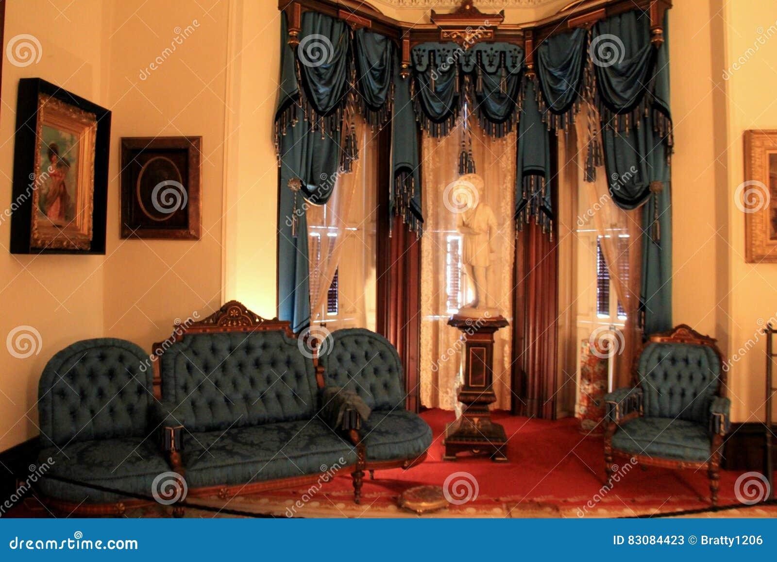 Erstaunliche Innenarchitektur Und Opulente Möbel, Historischer ...