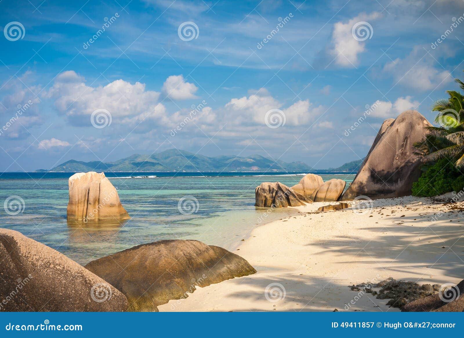 Download Erstaunlicher Tropischer Strand In Den Seychellen Stockbild - Bild von frech, küstenlinie: 49411857