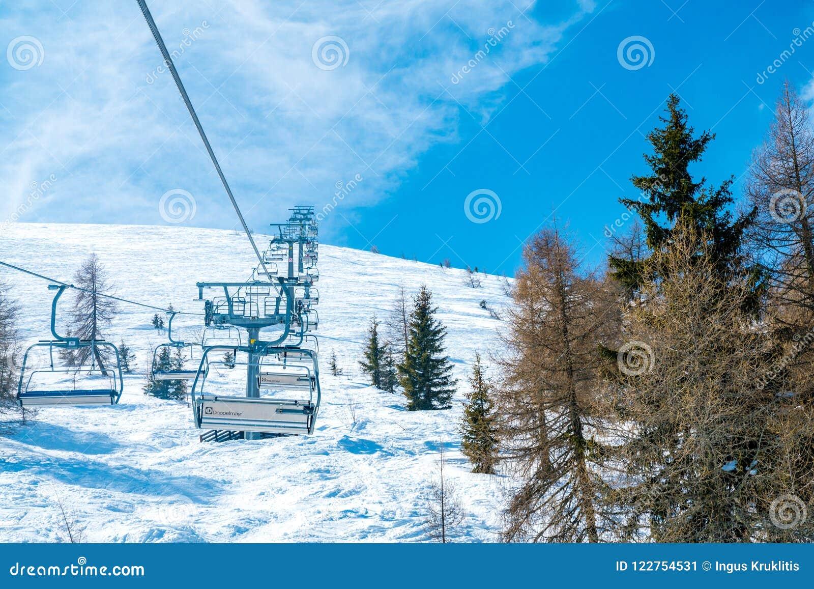 Erstaunlicher Winterskiortbergblick