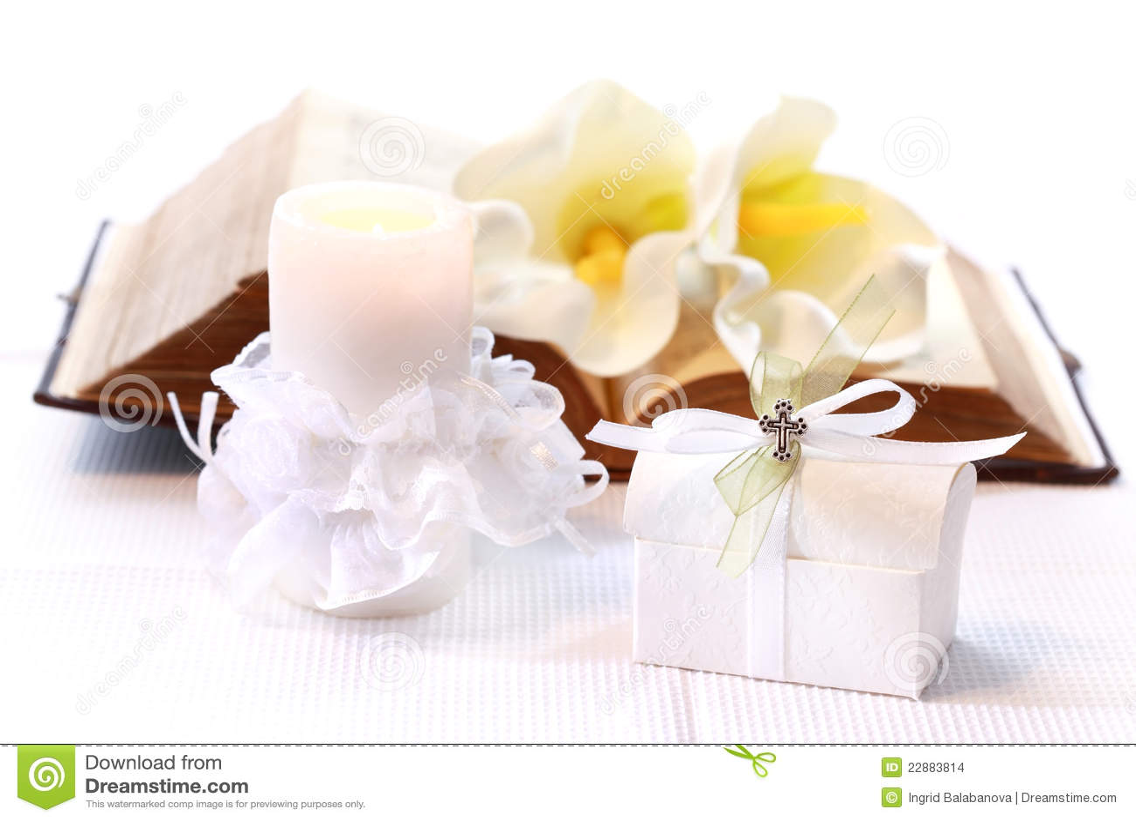 erste heilige kommunion stockbilder bild 22883814. Black Bedroom Furniture Sets. Home Design Ideas