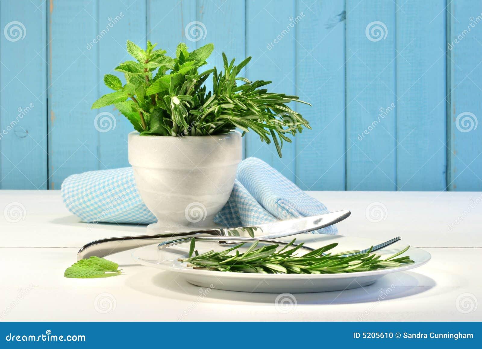 Ervas frescas na tabela