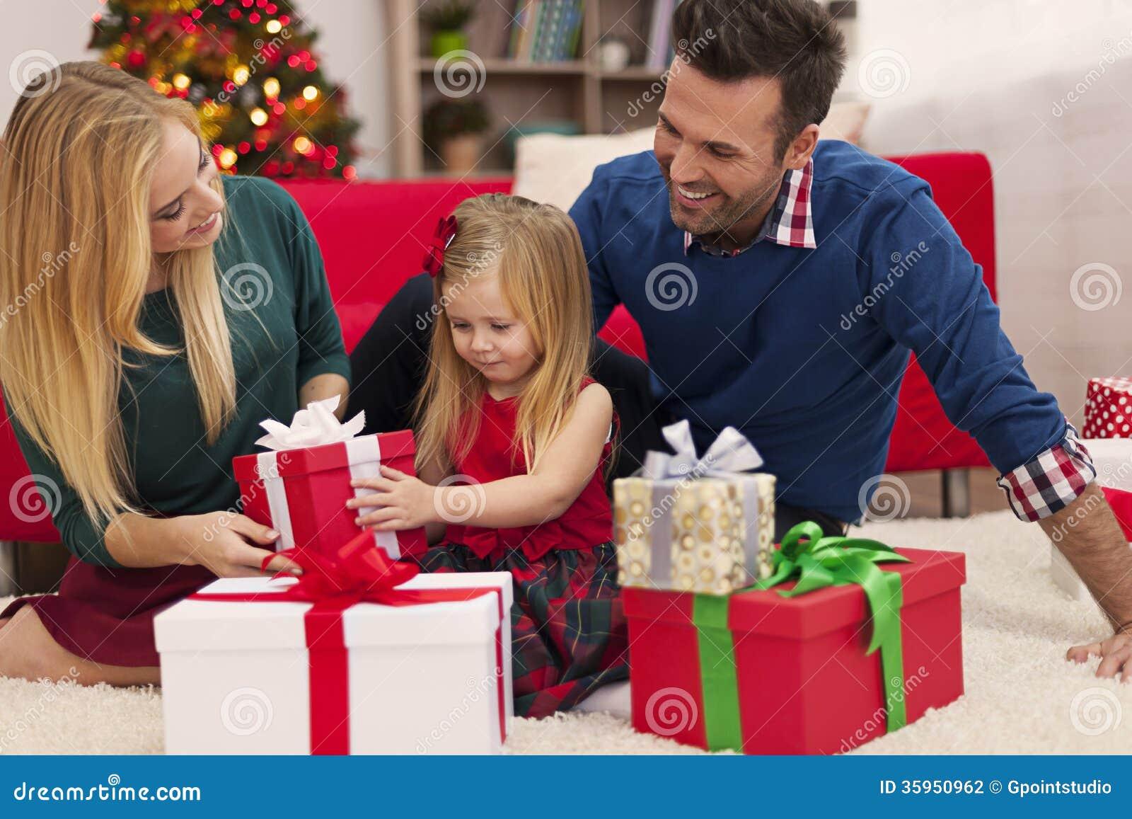 Es hora de abrir los regalos
