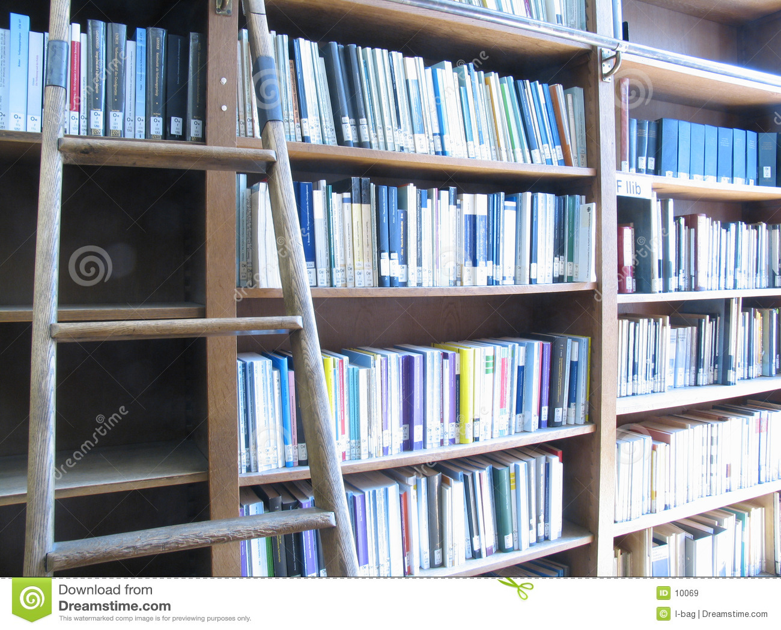 Escada & biblioteca