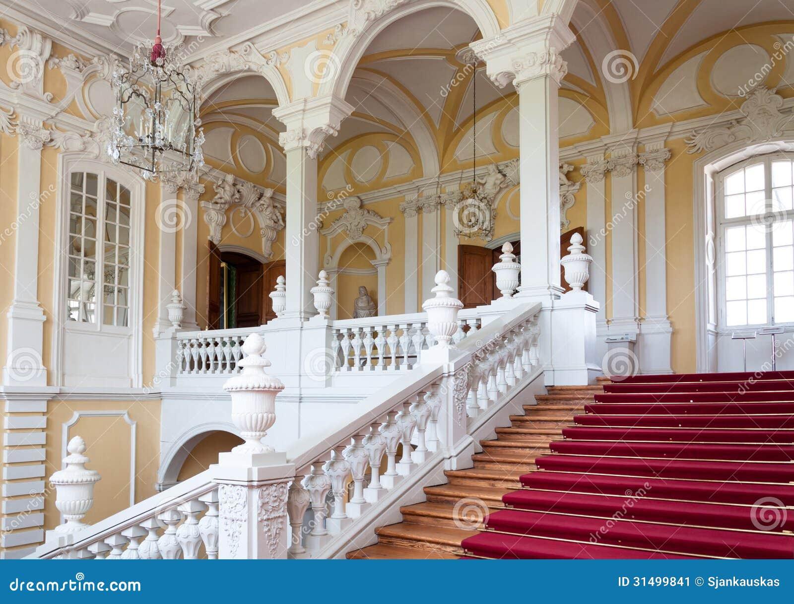 Escadaria no palácio