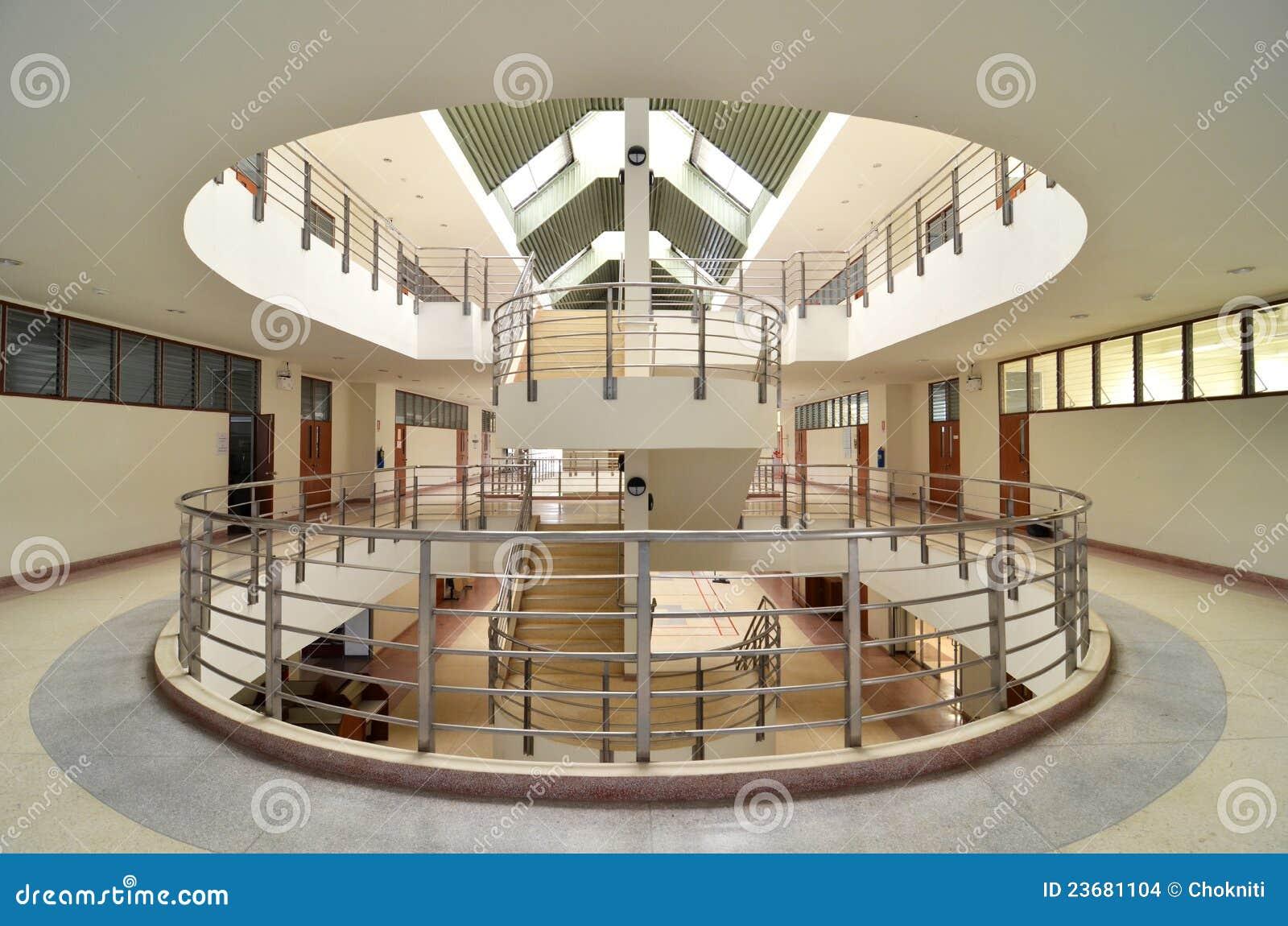 Escadas Circulares Foto De Stock Imagem De Lifestyle 23681104