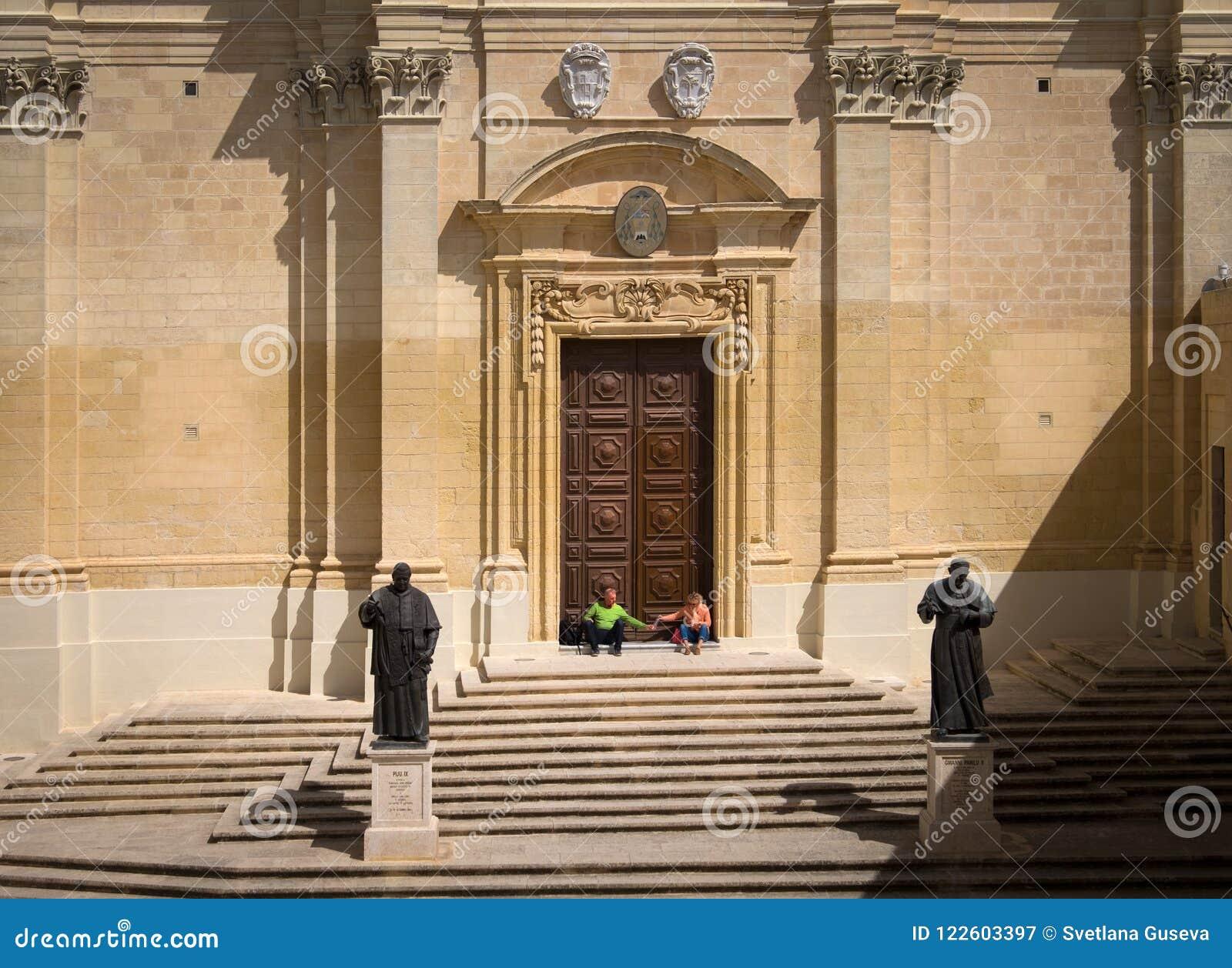 Escadas da fortaleza de Victoria Maltese Gozo malta