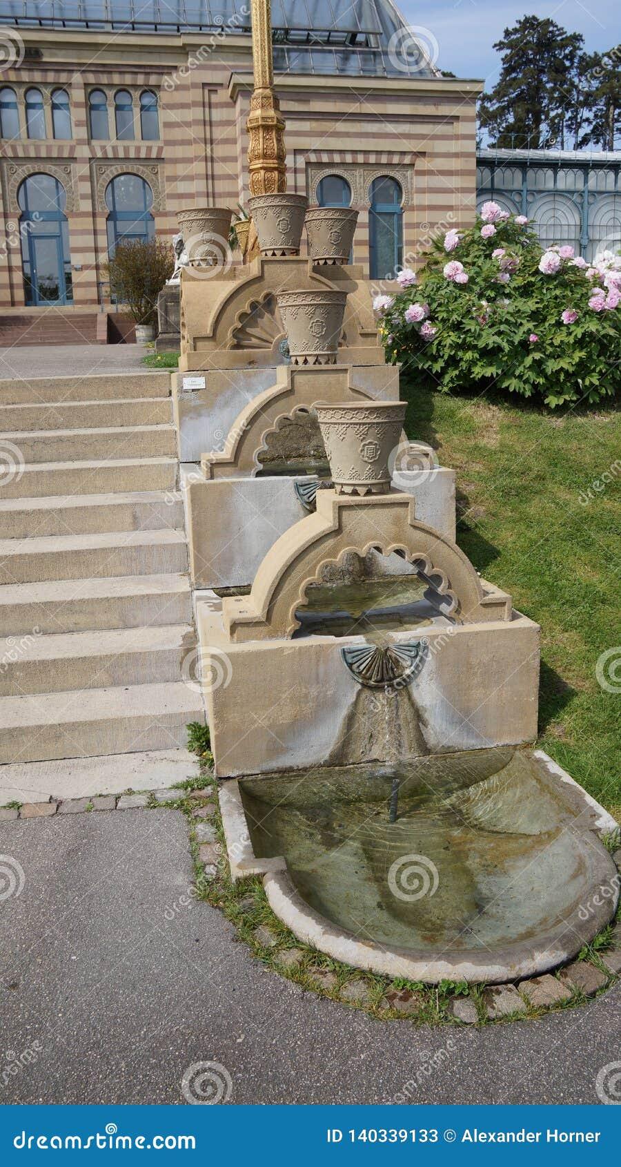 Escadas de construção históricas do parque de Alemanha do jardim zoológico de Wilhema