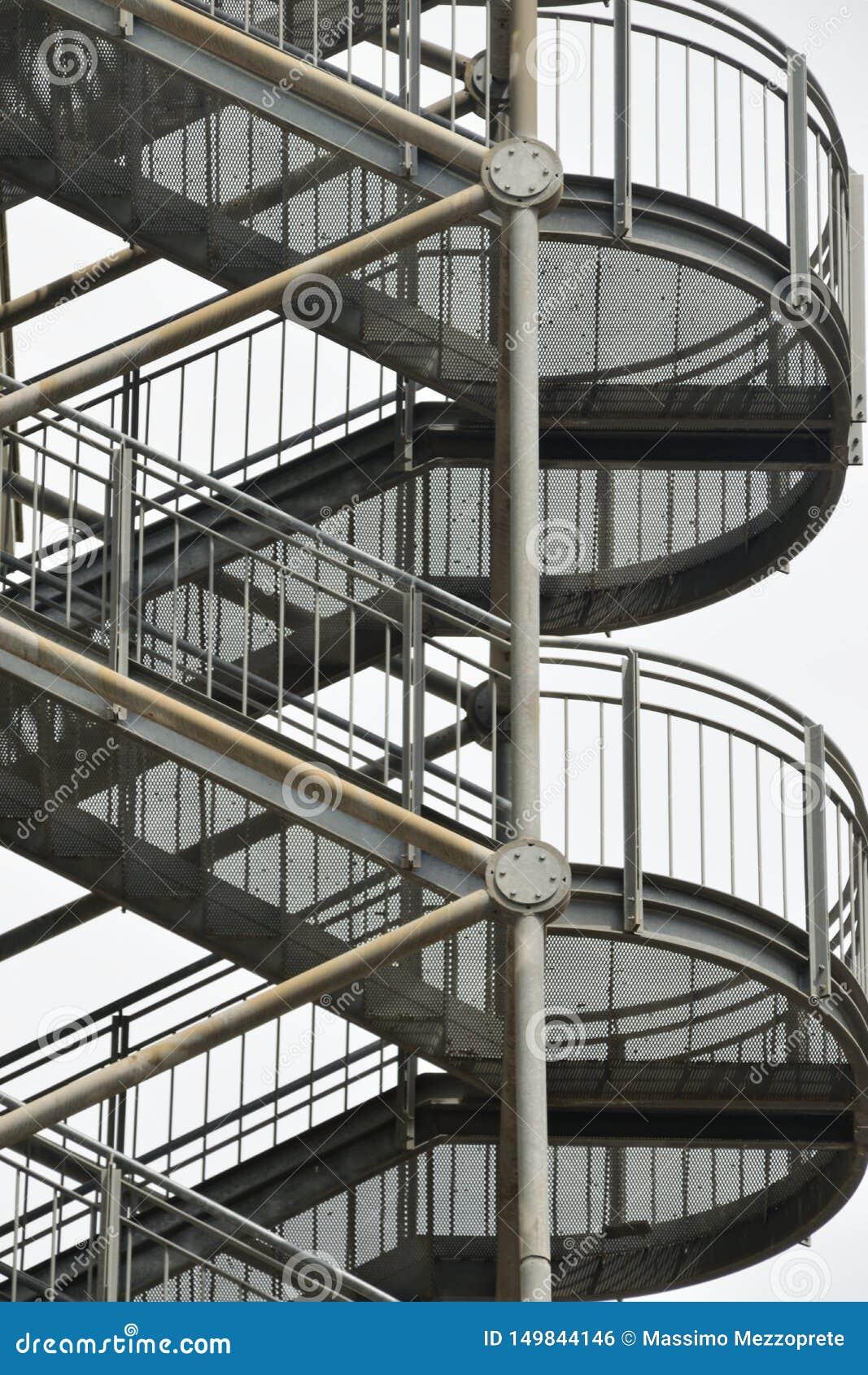 Escadas do escape de fogo