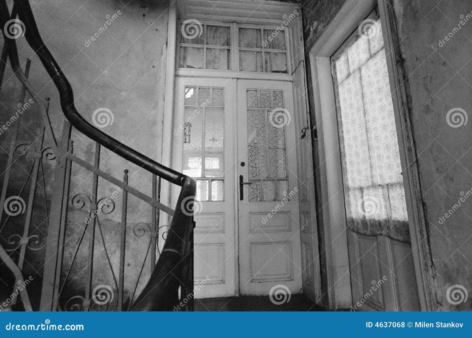 Escadas velhas