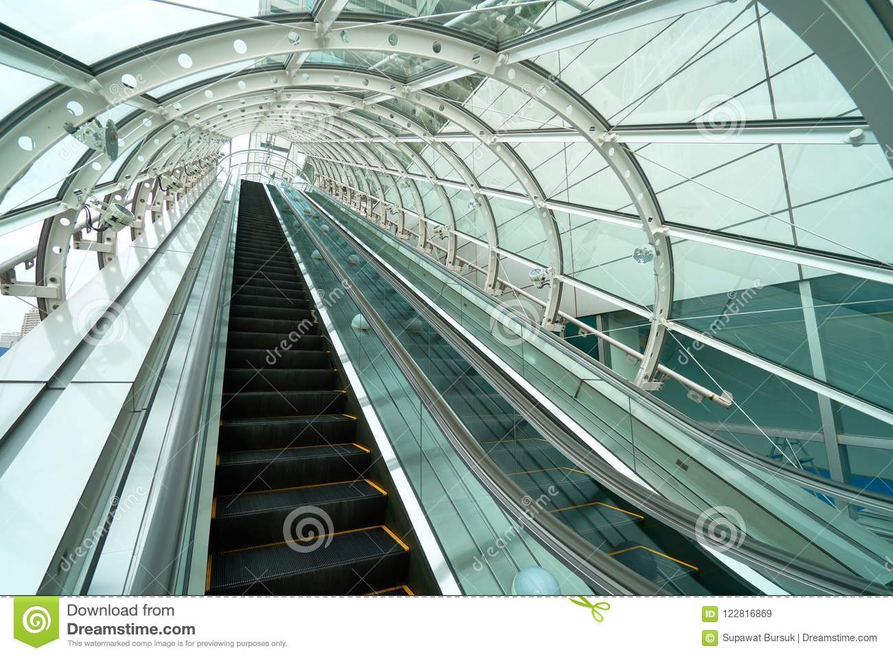 Escalator up and down Sneak through the glass roof. To prevent r
