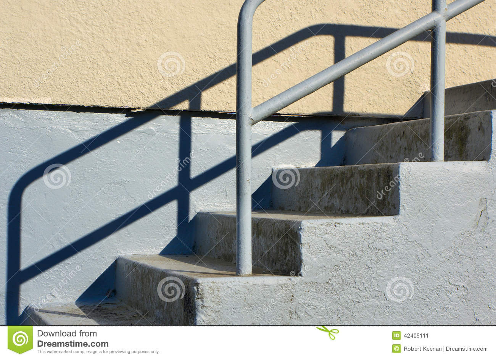 Escalera al aire libre foto de archivo imagen 42405111 - Escaleras al aire ...