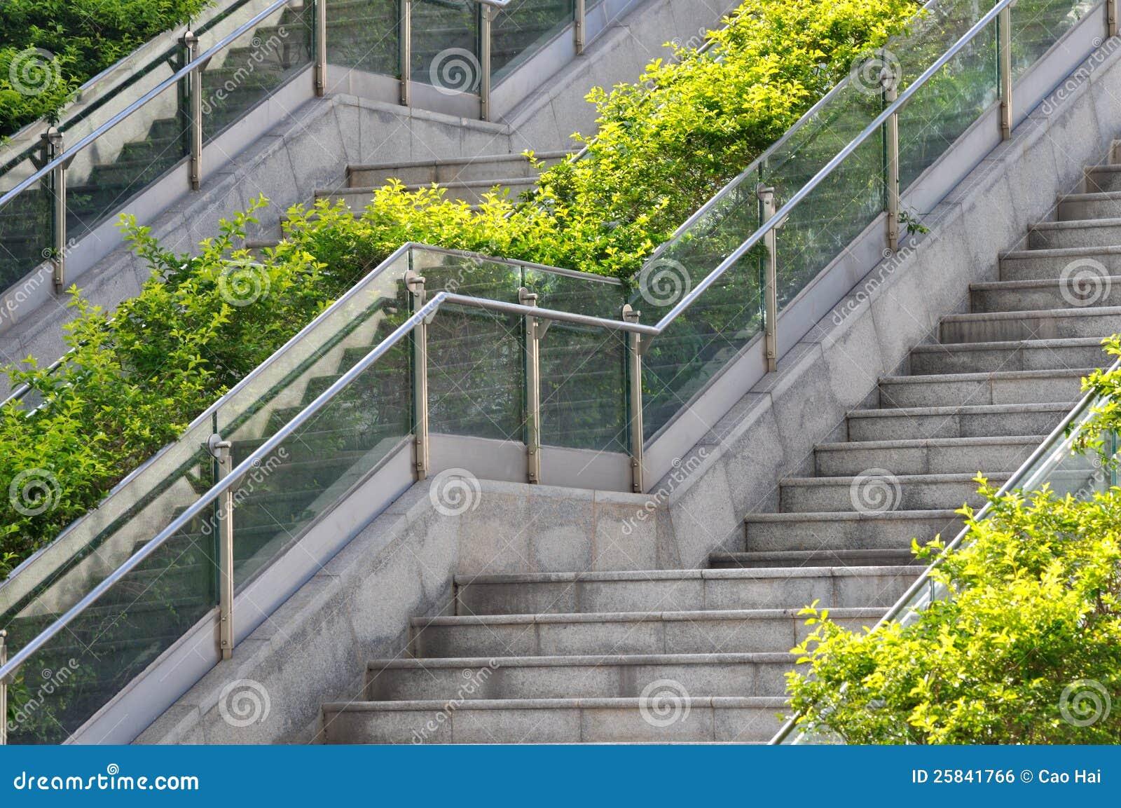 Escalera al aire libre en modelo imagen de archivo libre - Escaleras al aire ...