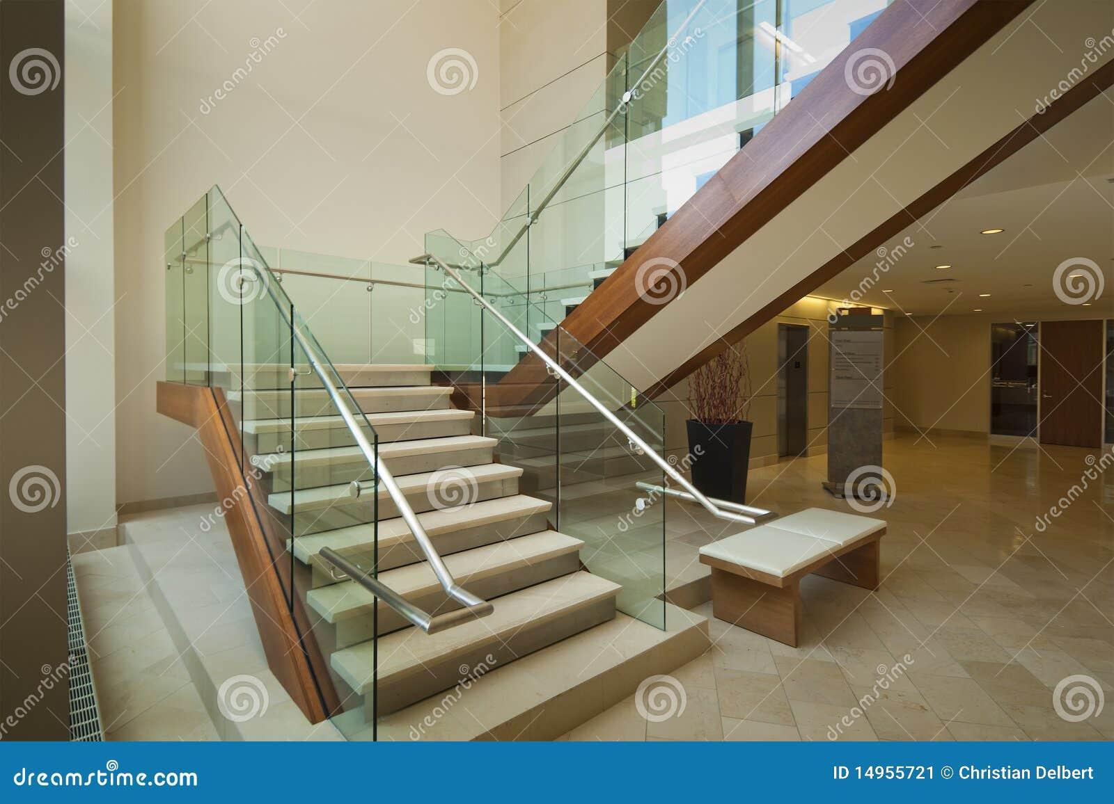 cristal edificio escalera