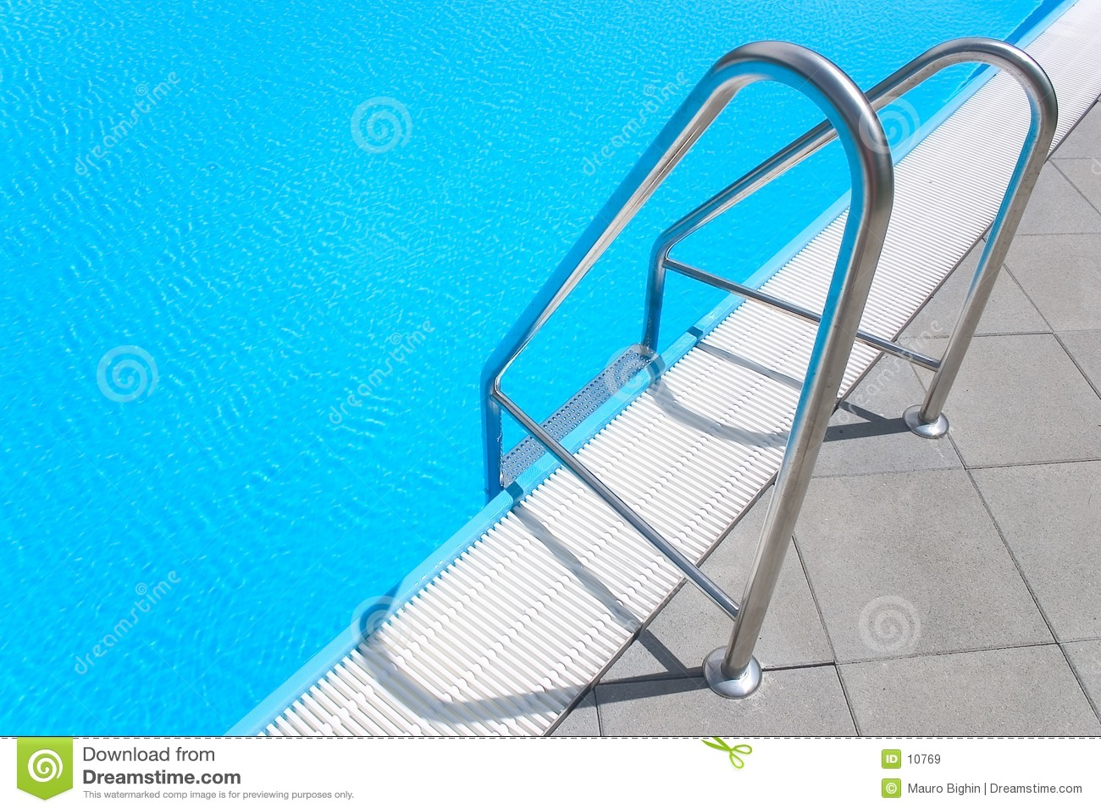 Escalera de la piscina