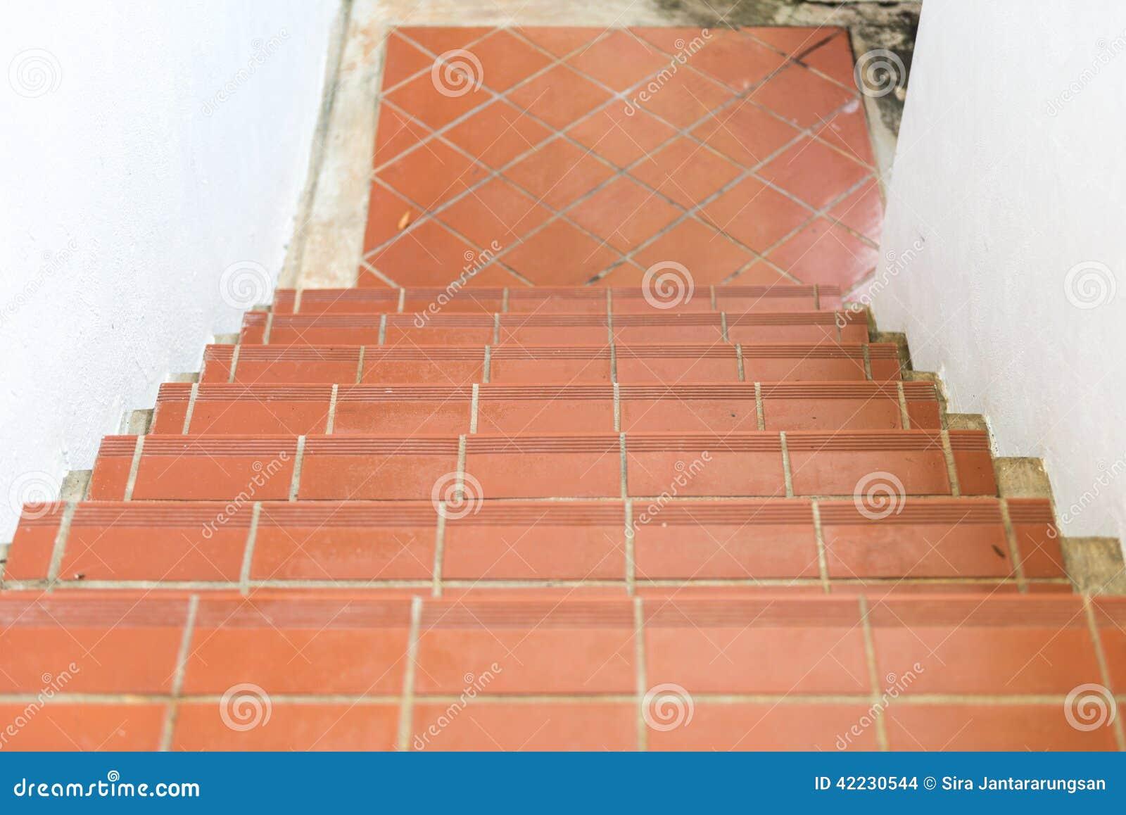 Escalera del ladrillo rojo foto de archivo imagen 42230544 - Escaleras de ladrillo ...