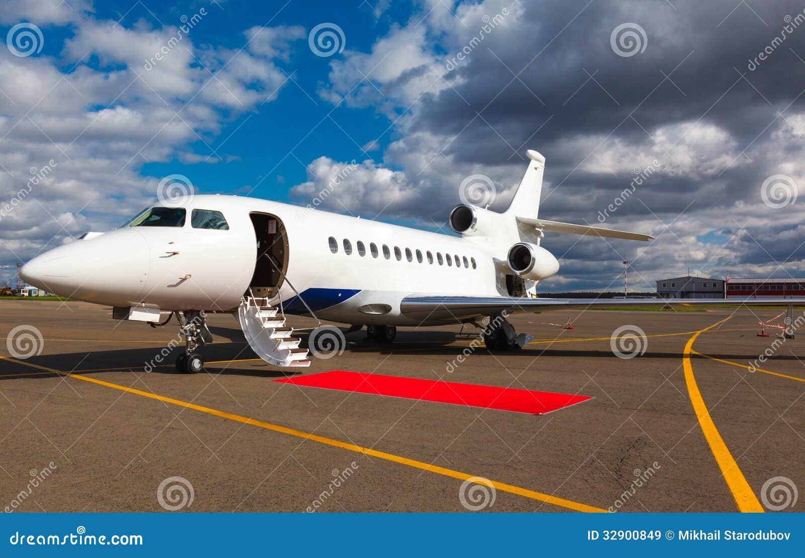 Escalera en un jet privado