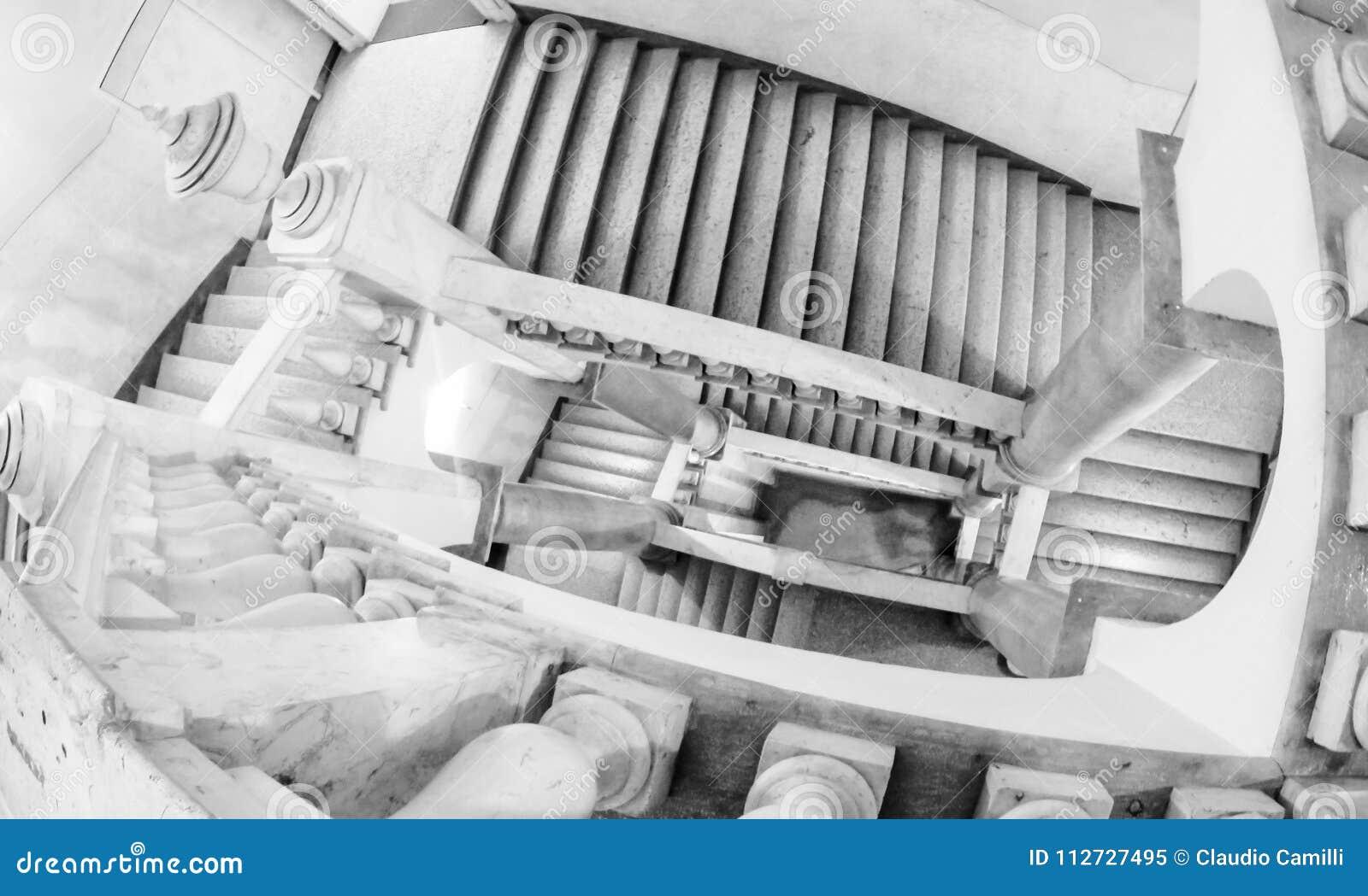 Escalera infinita del museo italiano